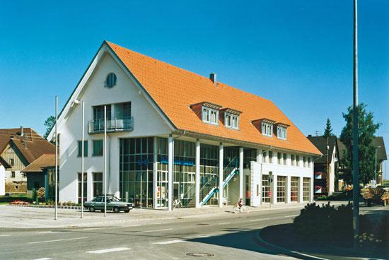 Neubau Bank-, Verwaltungs- und Feuerwehrgebäude in Seedorf
